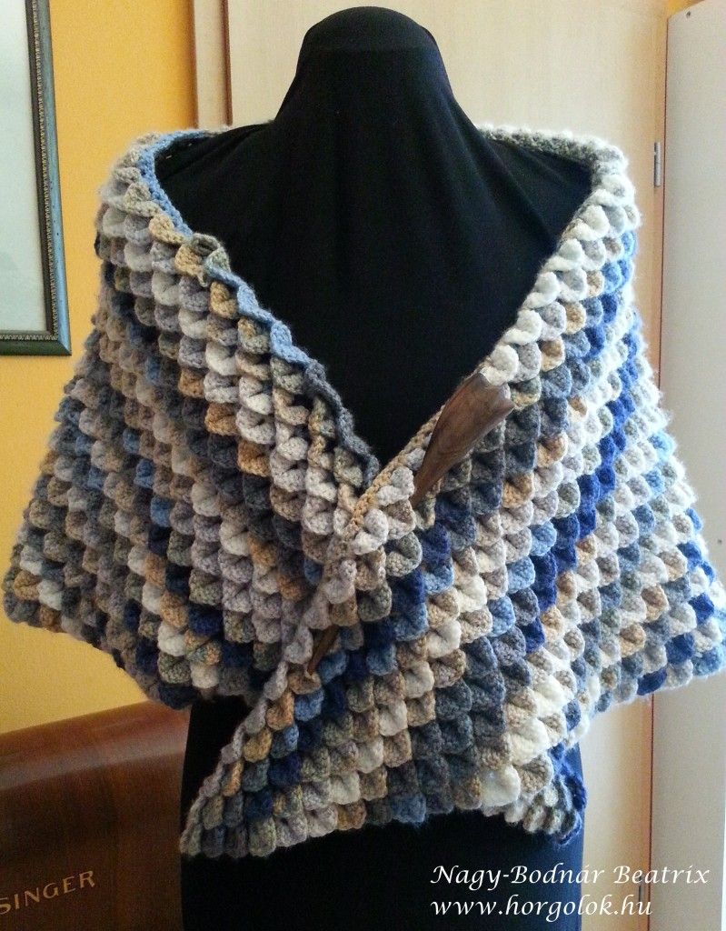 Crocodile shawl